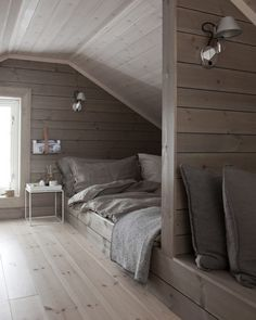 46 Exceptional Ideas for Attic Bedrooms - # Exceptional - Bed floor - Attic Bedroom Designs, Attic Design, Attic Rooms, Attic Spaces, Interior Design, Room Interior, Interior Ideas, Upstairs Bedroom, Bedroom Loft