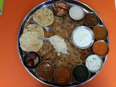 India's biggest thali aka Dara Singh Thali with 22 inch stuffed paratha