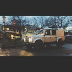 #twisted #landrover #defender I saw tonight. Taken on #iphone6  #iphoneography #landroverdefender #landroverdefender110 #twistedlandrover #truck #truckporn #stunning #Cheltenham #thecotswolds #uk #england #bri'ish #evening #dusk #beaut. by livewire_photography #twisted #landrover #defender I saw tonight. Taken on #iphone6  #iphoneography #landroverdefender #landroverdefender110 #twistedlandrover #truck #truckporn #stunning #Cheltenham #thecotswolds #uk #england #bri'ish #evening #dusk…