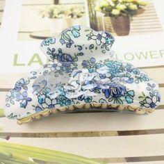 Korean blue + white pattern acrylic hairpin