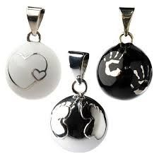 Black, silver and white Bola collection by Babylonia