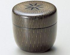 Tea-Caddy-Japanese-Natsume-Echizen-Urushi-lacquer-Matcha-container-gold-brush
