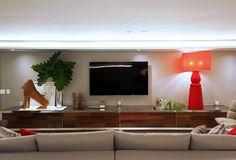 Sala de TV por Santos & Santos Arquitetura #homedecor #living #decoração #tvlounge