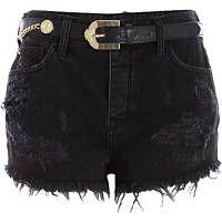 Short en jean noir taille haute avec ceinture et déchirures