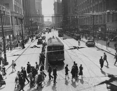 Vintage Photos of Cleveland Streets//Downtown always busy, 1930