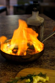 How to Make a Flambé Bourbon Glaze Flambe Desserts, Bourbon Glaze, Step Guide, Food For Thought, Just Desserts, Carne, Alcohol, Healthy Eating, Sweets