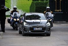 French President Hollandes' official car is Citroen DS5 Hybrid4