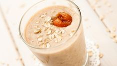 5 Oatmeal Smoothies That Beat Your Standard Breakfast; I love me some smoothies! Energy Smoothie Recipes, Oat Smoothie, Oatmeal Smoothies, Breakfast Smoothies, Healthy Smoothies, Healthy Drinks, Strawberry Smoothie, Oats Recipes, Pumpkin Recipes