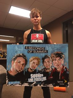 DOES ANYBODY ELSE THINK THAT ASH LOOKS FETUS SINCE HE GOT A HAIR CUT AND SHAVED LIKE