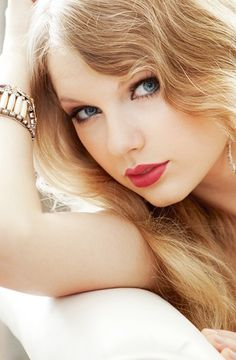 Taylor Swift. I saw her when she was still 10000% country so she wasn't as popular.