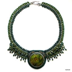 art, crafts and beads: Green Legend Necklace