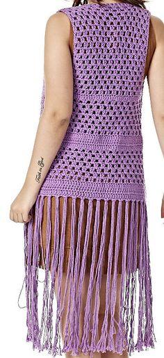 Esses coletes longos de crochê deixam o look super descolado e moderno. Aprenda a fazer acompanhando o passo a passo, a receita e o gráfico.
