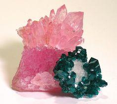 Dioptase on rose quartz / Minas Gerais, Brazil Mineral Friends <3