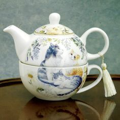 Amazon.com | Bits and Pieces - Adorable Single Serving Kitty Tea Set - Cat Tea Set for One - Porcelain Teapot and Cup Combination: Tea-For-One Sets