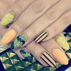 i love almond shaped nails