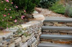Bluestone steps and curved southbay quartzite dry-stacked wall Dry Stack Stone, Stacked Stone Walls, Back Steps, The Expanse, Backyard Landscaping, New England, Stepping Stones, Playground Ideas, Patio