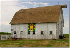 Iowa, Turnabout T--love barn quilts..love old barns and quilt blocks :))