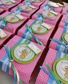 Tema Picnic !! <3  Entre formiguinhas, passarinhos, doces e frutinhas o picnic mais charmoso da cidade encantou todos os convidados. #carlamedianeiraestampas http://carlamedianeiraestampas.blogspot.com.br https://www.facebook.com/CarlaMedianeiraEstampas