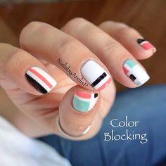 Colour blocking nails