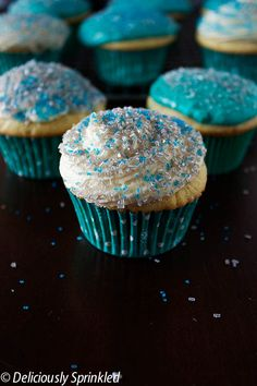 Homemade Vanilla Cupcakes, Yummy Cupcakes, Cupcake Cookies, Coconut Desserts, Delicious Desserts, Cupcake Recipes, Dessert Recipes, Cupcake Ideas, Snickerdoodle Cupcakes
