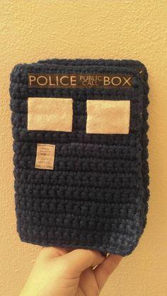Tardis crochet hook case