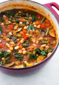 Kale and Quinoa Minestrone {Vegan and Gluten Free} - Cooking Classy - looks like it makes a lot. My family could probably get three meals out of this. Healthy Fall Soups, Vegan Soups, Healthy Soup, Healthy Eating, Vegan Minestrone Soup, Whole Food Recipes, Soup Recipes, Vegetarian Recipes, Cooking Recipes