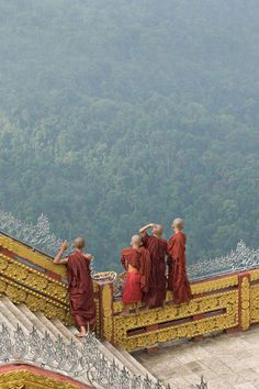 Tibet, from S. Asia, in to Nepal then India? Or Mongolia? When to fit in S. So many countries, so little time! Laos, Buddha, Nepal, Places To Travel, Places To See, Places Around The World, Around The Worlds, Religion, Buddhist Monk