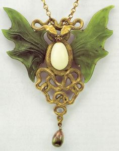 Nouveau jewelry by Wilhelm Lucas von Cranach (1861-1918). Wilhelm von Lucas Cranach — German goldsmith who worked in the Art Nouveau style