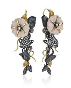 18K yellow gold and oxidized silver floral earrings with pink enamel petals and white diamonds designed by Aida Bergsen