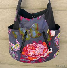 Love the fabric, zippers on this Noodlehead 241 tote!