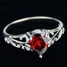Cute Women's Red Rhinestone Openwork Ring