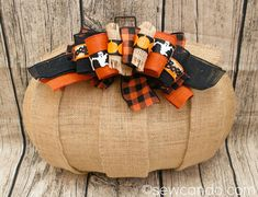 Sew Can Do: Burlap Wire Pumpkin Wreath With Layered Ribbon Accents