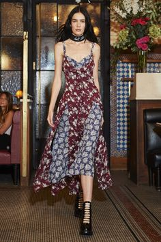 View the complete Cinq à Sept Spring 2017 Ready-to-Wear Collection from New York Fashion Week.