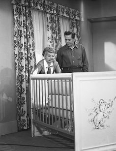 Lucille Ball and Desi Arnaz on the I Love Lucy t. show I Love Lucy Show, Love Is All, Love Her, Best Tv Shows, Favorite Tv Shows, I Love Lucy Episodes, William Frawley, Queens Of Comedy, Lucille Ball Desi Arnaz