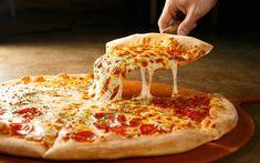 Big Daddy's Pizzeria in Gatlinburg has the best pizza in town Pizza Hut, New Pizza, Peter Piper Pizza, Tacos Mexicanos, Tortilla Chips, Pizza Legal, Kimchi, Pizza Tattoo, Mozzarella