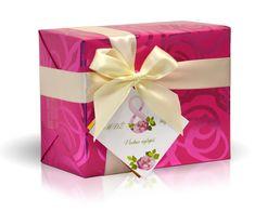 Bonboniéra s věnováním - Vše nejlepší k MDŽ. Brown Paper, Origami, Artisan, Wraps, Gift Wrapping, How To Make, Gifts, Kraft Paper, Gift Wrapping Paper