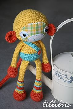 lilleliis: Taaniel Tulekera - amigurumi crochet - patchwork face! Cute!