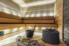 Selkänojan takaa tuleva pehmeä valo tekee suanasta tunnelmallisen. Bath Design, Saunas, Bathroom, Washroom, Restroom Design, Bathrooms, Bath, Bathing, Bath Tub