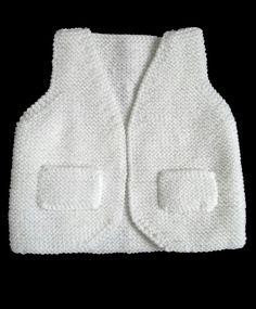 Free model vest sleeveless 036 months of knitting Baby Knitting Patterns, Crochet Vest Pattern, Baby Boy Knitting, Crochet Cardigan, Kimono Cardigan, Free Knitting, Free Pattern, Sleeveless Cardigan, Crochet For Boys