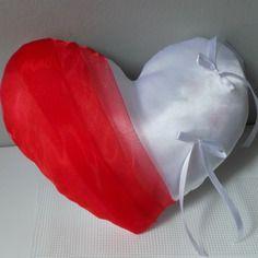 Coussin alliances coeur rouge