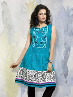 Glamorous Blue Colored Cotton Casual Kurti With Printed Work