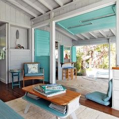 Retro Waikiki | dotandbo.com  #DotandBoDream  **DW: THIS IS TOO MUCH TURQUOISE, BUT I LIKE THE GENERAL LAID BACK FEEL.