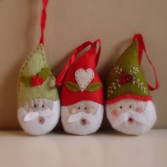 Handmade Santa Ornaments from Roxy Creations Christmas Ornaments To Make, Santa Ornaments, Christmas Sewing, Christmas Projects, Felt Crafts, Handmade Christmas, Holiday Crafts, Christmas Holidays, Diy Crafts