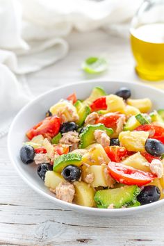 Take your pasta salad to the next level with this super easy, veggie filled italian Penne, Pasta Salad With Tortellini, Veggie Pasta, Pasta Salad Italian, Healthy Potluck, Healthy Recipes, Pollo Tandoori, Mediterranean Pasta Salads, Easy Pasta Salad Recipe