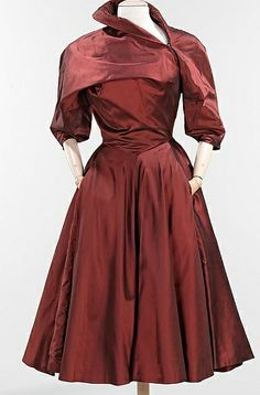 "This dress has pockets! ""Charles James dress ca. 1950 via The Costume Institute of the Metropolitan Museum of Art"" Charles James, Moda Vintage, Vintage Mode, 1950s Fashion, Vintage Fashion, Vintage Dresses, Vintage Outfits, Vintage Clothing, 1950s Dresses"