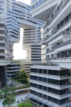 VERTICAL VILLAGE Ole Scheeren's design generates an extensive network of private and shared social spaces in a radical reinterpretation of contemporary life in a community. Instead of following the default typology of housing in dense urban environments – clusters of …