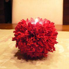 Červený vánoční Průměr 12cm,výška 12 cm.Svícínek s čajovou svíčkou.