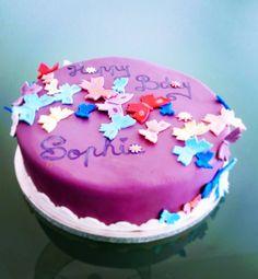 """""""Mi piace"""": 18, commenti: 1 - Dana Draghici (@dandanaglutenfree) su Instagram: """"Butterfly cake! Happy Birthday little Sophia! #dandaná #glutenfree #glutenvrij #faragluten #taart…"""""""