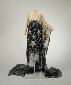 Vintage 1920s gown. OH MY STARS!