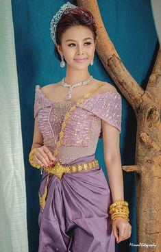 Geisha, Khmer Wedding, Wedding Costumes, Lace Corset, Traditional Dresses, Sari, Wedding Dresses, Fashion, Sunflowers